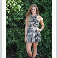 This romper is perfect for tailgating and it's 50% off!! Only $19.99 now! #shoplocal #lbvb #shoplbvb #summersale #tailgating