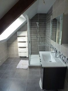 sink size and style, heating for the towels Small Attic Bathroom, Loft Bathroom, Upstairs Bathrooms, Bathroom Interior, Interior Design Living Room, Attic Spaces, Attic Rooms, Loft Room, Bedroom Loft