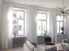 ljusa gardiner vardagsrum