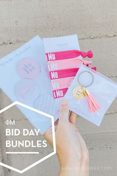 Spoil your new members this recruitment with the Pref Present bundle! Gift bag includes a sorority tassel keychain, hair tie set, and button set. Phi Mu Gifts   Phi Mu Bid Day   Phi Mu New Member Gifts   Phi Mu Rush Gift Bags   Phi Mu Recruitment   Sorority Bid Day   Sorority Recruitment   Bid Day Bags   Sorority New Member Gift Ideas #BidDayGifts #SororityRecruitment Alpha Epsilon Phi, Alpha Sigma Alpha, Phi Mu, Sorority Bid Day, Sorority Recruitment, Bid Day Gifts, Bid Day Themes, Tassel Keychain, Kappa Delta