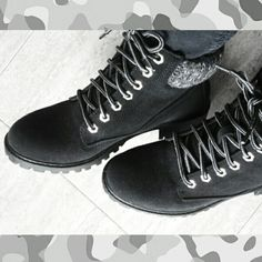 Mis nuevas botas de SuiteBlanco.