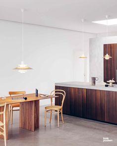 Louis Poulsen PH 5 Messing Hängeleuchte Ø 50 cm Scandinavian Lighting, Decor Scandinavian, Luxury Decor, Luxury Interior Design, Australian Interior Design, Brass Kitchen, Kitchen Decor, Kitchen Dining, Kitchen Island