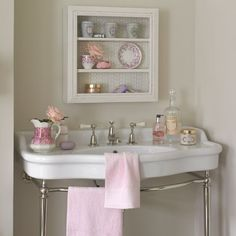 Country bathroom wall storage | Country bathroom ideas | Bathroom | PHOTO GALLERY | Country Homes and Interiors | Housetohome.co.uk