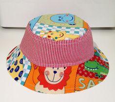 Gorras para niños para este verano. Consigue los patrones gratis para realizar esta gorra muy útil para que a los niños no les moleste el sol.