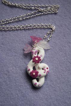 Collana Chiave di Violino con fiori in fimo (bianco)
