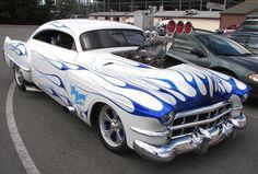 Hot Rod e Kustom: Cadillac Street Rod com Blower e Wheelie wheels.