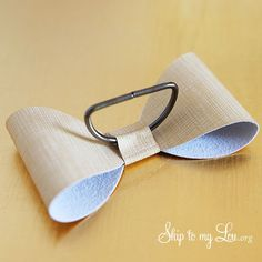DIY bow napkin rings...maybe make with leather?