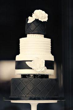 Chic black diamond impression, ruffle and flower cake, so cute