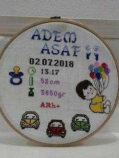 Baby Cross Stitch Patterns, Mini Cross Stitch, Art N Craft, Baby Birth, Cat Love, Baby Dress, Crochet Baby, Needlework, Elsa
