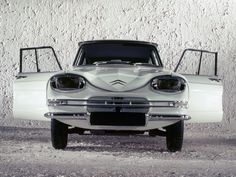 Top 10 ugliest cars ever built - The Globe and Mail. The French Citroën Ami Vintage Bikes, Vintage Cars, Psa Peugeot Citroen, 1960s Cars, Car Advertising, Bike Design, Car Brands, Old Cars, Being Ugly