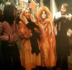 Fur Fashion, Winter Fashion, Best Of Abba, Abba Mania, Glam And Glitter, Fur Cape, Anna, Fox Fur Coat, Metalhead