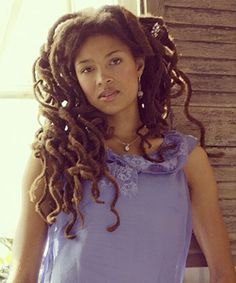Valerie June - beautiful dreds on a beautiful TALENTED girl