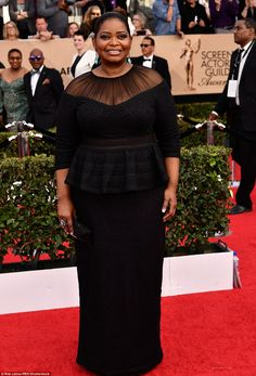 Hidden Figures star Octavia Spencer perfected red carpet chic in a black Tadashi Shoji gow...