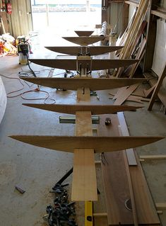 A South Bay Catboat By William & John Atkin, made in france Saint Helena Island, Wooden Boat Building, Jon Boat, Backyard For Kids, Boat Design, Wooden Boats, Plank, Dining Table, France