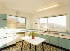 an authentic home in Staffordshire Needs a little loving but I love the layout and the VIEW!Needs a little loving but I love the layout and the VIEW! Diy Kitchen Remodel, Diy Kitchen Decor, Kitchen Design, Fixer Upper, Vintage Kitchen, 1960s Kitchen, Retro Kitchens, Ikea, Retro Appliances