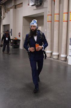 Brent Burns strutting his stuff. Brent Burns, Baby Shark Doo Doo, Stanley Cup Finals, Horror Movie Characters, San Jose Sharks, Pittsburgh Penguins, Fine Men, Ice Hockey, The Struts