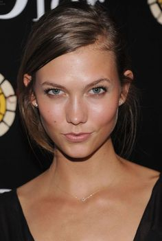 BEAUTY karlie Kloss