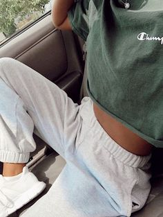 30 Catchy Summer Outfits To Impress Everyone Lazy Outfits catchy impress outfits Summer summeroutfits summeroutfitsideas Outfits For Teens For School, Teenage Outfits, Teen Fashion Outfits, Casual School Outfits, Casual Trendy Outfits, Dressy Outfits, School Outfits College, Lazy College Outfit, Cute Outfit Ideas For School