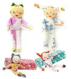 Knuffels à la carte blog: The cutest doll in a box!