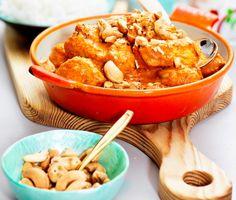 Chicken tikka masala är en snabblagad, smakrik och saftig indisk kycklinggryta med djupa och härliga smaker. Servera chicken tikka masalan med ris och njut av en prima måltid!