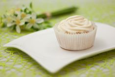 Low Carb Cupcakes mit Pfirsich-Maracuja Haube