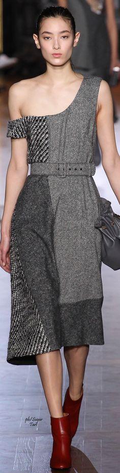 Stella McCartney Fall 2015 Ready-to-Wear Fashion Show Fall Fashion 2016, Grey Fashion, Autumn Fashion, Women's Fashion, Couture Fashion, Runway Fashion, Fashion Show, Fashion Beauty, French Fashion Designers