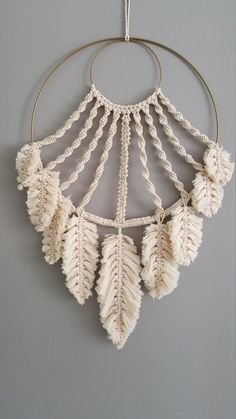 macrame/macrame anleitung+macrame diy/macrame wall hanging/macrame plant hanger/macrame knots+macrame schlüsselanhänger+macrame blumenampel+TWOME I Macrame Natural Dyer Maker Educator/MangoAndMore macrame studio Macrame Design, Macrame Art, Macrame Projects, Macrame Knots, Diy Projects, How To Macrame, Macrame Wall Hangings, Driftwood Macrame, Macrame Curtain