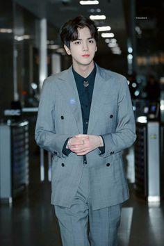 Korean Celebrities, Celebs, Japan Fashion, Mens Fashion, Korean Men Hairstyle, Korean Birthday, Taehyung, Korean Boy Bands, My Boyfriend