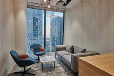 Back in 2017, Houlihan Lokey opened their first office in Dubai. Three years later, plans were in place to upscale their office. They needed something bigger, better, and closer to the bustling financial district. Brookfield Place, Something Big, Dubai, Office Designs, Places, Closer, Interior, Table, Furniture