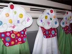 The Sew*er, The Caker, The CopyCat Maker: Cupcake Towel Tutorial