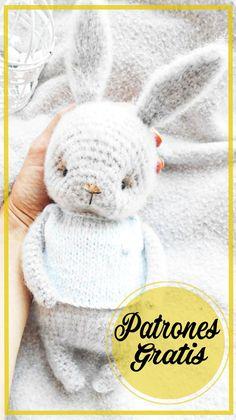 Patrón de Ganchillo Gratis Conejito Amigurumi Crochet Patterns Amigurumi, Crochet Toys, Amigurumi Free, Baby Gift Hampers, Animal Sewing Patterns, Knitted Animals, Crochet For Kids, Baby Toys, Crochet Projects