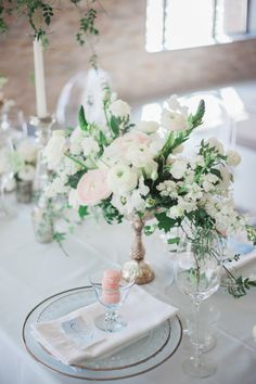 Pretty jasmine floral centerpiece: http://www.stylemepretty.com/canada-weddings/ontario/niagara-on-the-lake-ontario/2016/05/02/all-the-inspiration-you-need-for-your-jasmine-filled-wedding/ | Photography: Gemini Photography - http://geminiphotographyontario.com/