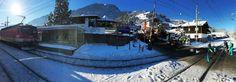 Der größte Teil der Fans ist bereits gut mit unseren Zügen in Kitzbühel angekommen um unser Ski-Team anzufeuern. Wir - als offizieller Mobilitätspartner des Austria Ski Team Men - wünschen unseren Burschen toi toi toi für die heutige Abfahrt!   (c)ÖBB/Zumtobel