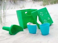 The Zoë b Organic range of biodegradable beach toys is now being imported to Australia by Earth Kid. The toys are made from corn and contain no toxic chemicals, are BPA free, ocean friendly and look sturdy enough to withstand plenty of play.