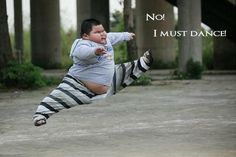 this is kinda really gross. but amazing that a FAT kid can do the sorta splits.