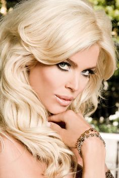Offshore Ltd. brand Ambassador is Swedish Top Model Victoria Silvstedt, former Playboy playmate, Miss Sweden, Maxim model of the year#chronowatchco