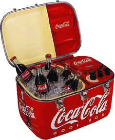 Enjoy an ice cold coke and cool music wherever you go with this beautifully high styled Coca-Cola CD / Radio cooler