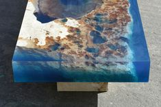 Love the look of this resin table. New Cut Stone Tables Encased in Resin Mimic an Ocean Reef Wood Projects, Woodworking Projects, Projects To Try, Wood Resin, Resin Art, Epoxy Resin Table, Wood Furniture, Furniture Design, Diy Resin Furniture