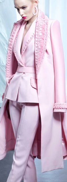 Regilla ⚜ Nicolas Jebran Haute Couture Summer 2015 Plus Plus Pink Fashion, Couture Fashion, Fashion Outfits, Womens Fashion, Fashion Trends, Fall Outfits, Mode Rose, Couture 2015, Everything Pink