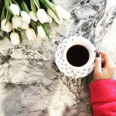 28.8 тыс. отметок «Нравится», 86 комментариев — Camila Coelho (@camilacoelho) в Instagram: «Sunday☕️ ! Happy day loves! ---- Domingo, dia de acordar tarde! Haha Um dia lindo pra todos voces,…»