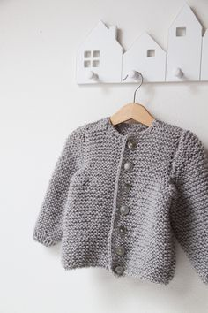 Pletený svetřík pro miminko