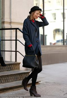 Love this casual but chic look ... She has great style
