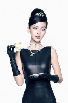 Yang Ying or Angelababy does a Audrey Hepburn look in leather dress and leather gloves. Leather Trousers, Leather Gloves, Angelababy, Beautiful Asian Women, Audrey Hepburn, Japanese Girl, Trending Memes, Asian Woman, Asian Beauty