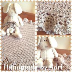 Crochet Baby Blanket. Elle Babykins DK. 5 mm Hook. Pattern from Silver Spoon ((Etsy). Handmade by Adri - Aug 2015