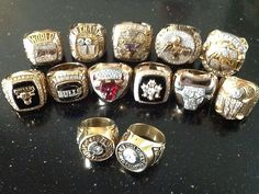 Phil Jackson win 13 rings of NBA championship, 2 rings as a player, 6 ring as Bulls coach and 5 rings as Lakers coach, its trully legend. He still tried to earn it as Knicks executive now. Basketball Pictures, Sports Basketball, Basketball Players, Basketball Stuff, Basketball Diaries, Nba Championship Rings, Nba Championships, Phil Jackson, Ring Ring