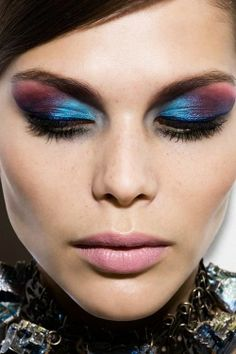Bright colorful eye shadow blending