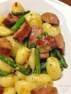 Florassippi Girl: Sausage, Asparagus, and Gnocchi Skillet