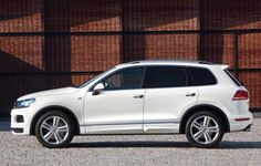 The 2015 Volkswagen Tiguan will come into showrooms around the end of this year at a base price of just around $24.000. This means that is a bit more expensive that its main competitors but that doesn't mean it's not worth the money, right? Well, to start it all up, the 2015 model will be basically the same version as the current generation with a few addition and some small improvements. Also, the car's engine has been re-tuned in order to increase fuel economy by a small margin.
