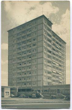 Immeuble Romandie Casablanca, Bauhaus, Skyscraper, Multi Story Building, Photos, Art Deco, Film, Bled, Architecture