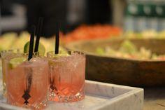 justanotherblogger  nyder en lækker fredags cocktail i lækre glas og lækre omgivelser :)   #Fredag #cocktails #kvalitet #danskblogger #bloggeri #events #munthe